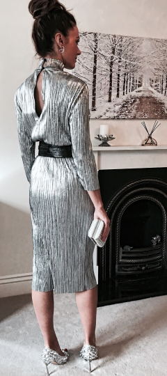 SILVER METALLICS FALL AND WINTER 2017 | PLISSE MIDI DRESS AND WIDE WAIST BELT