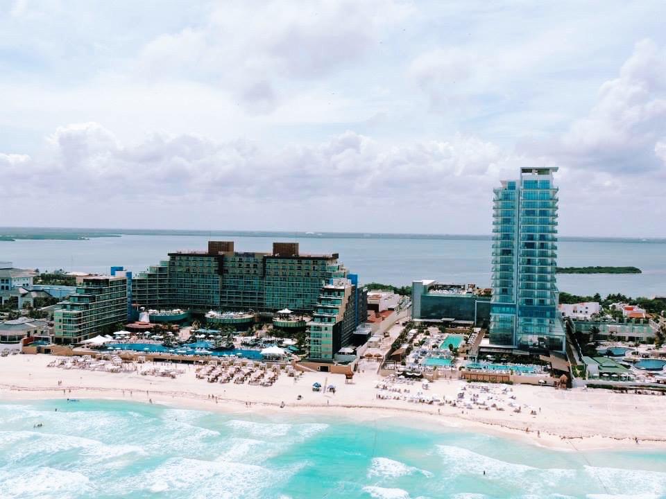 Elegant Duchess Secrets the Vine, Cancun